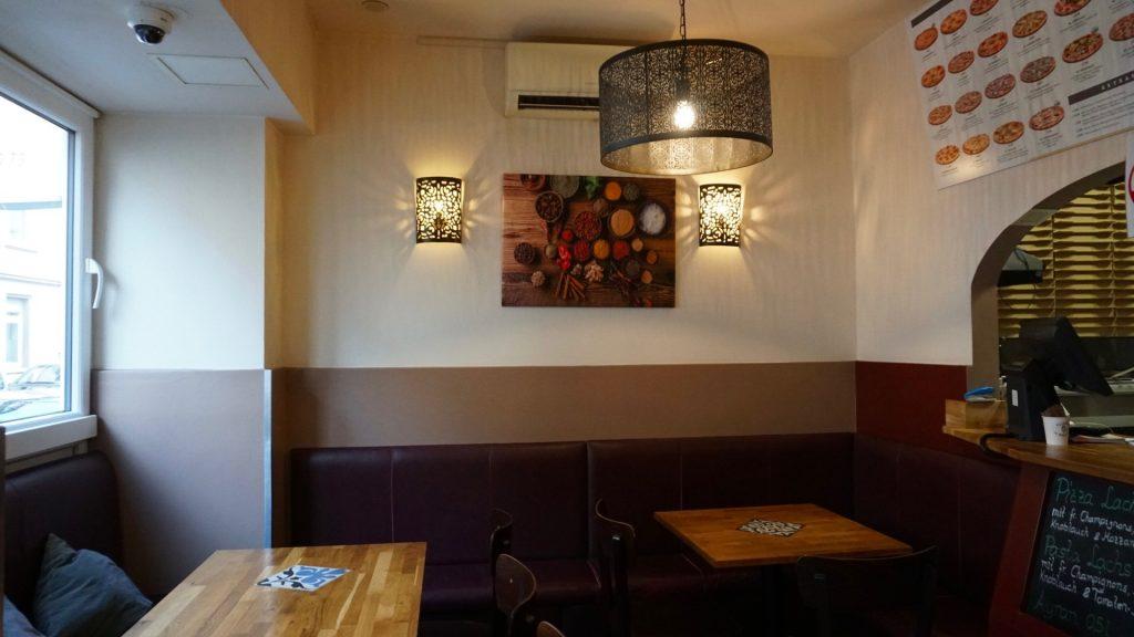 Die kleine Restaurantfläche trägt zur familiären Atmosphäre bei