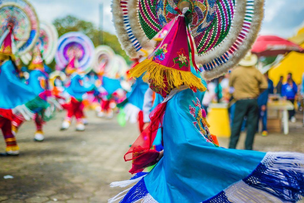 Am 5. Mai finden jährlich Straßenumzüge in Puebla statt