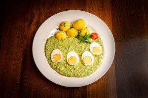 Grüne Sauce mit Ei und Salzkartoffeln